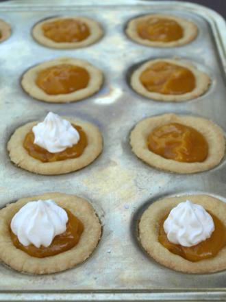 plum curd tarts 1