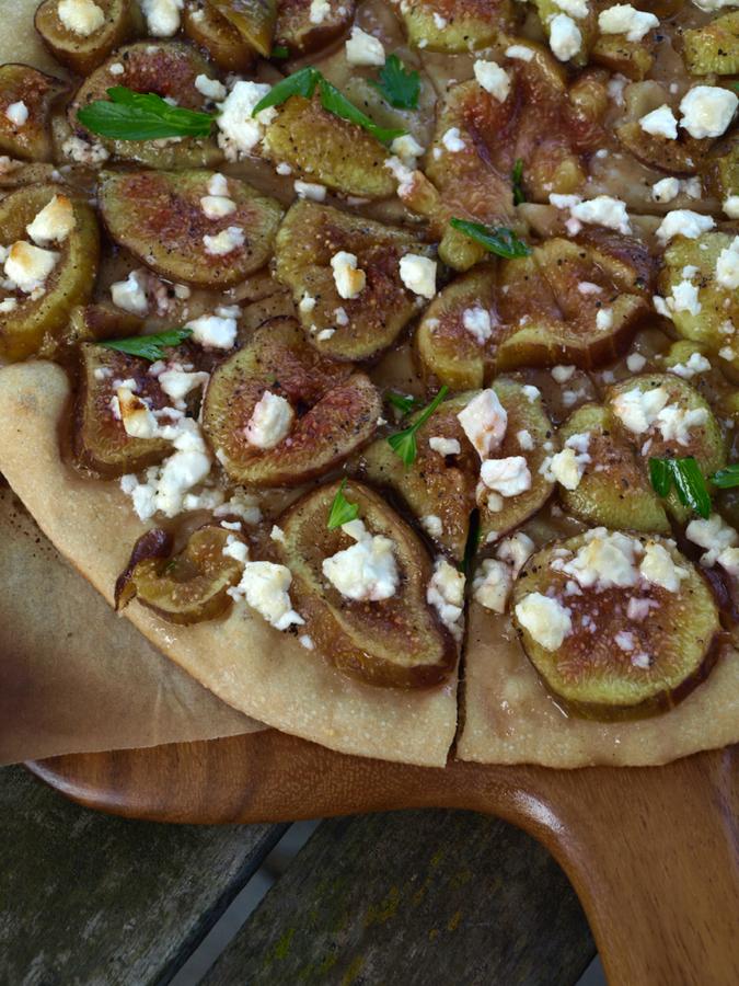fig, feta and honey pizza
