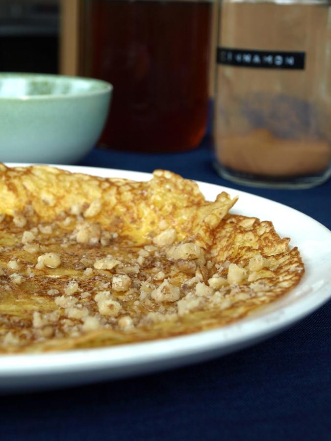 walnut cinnamon and honey pancakes