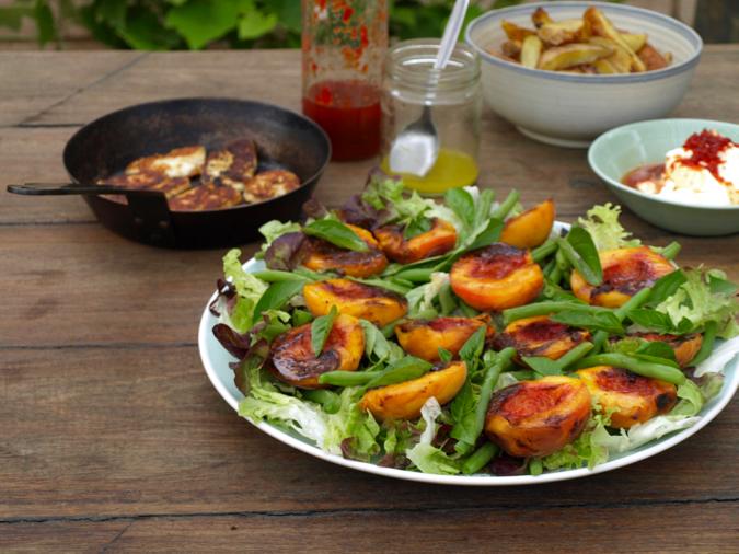 Peach and haloumi salad